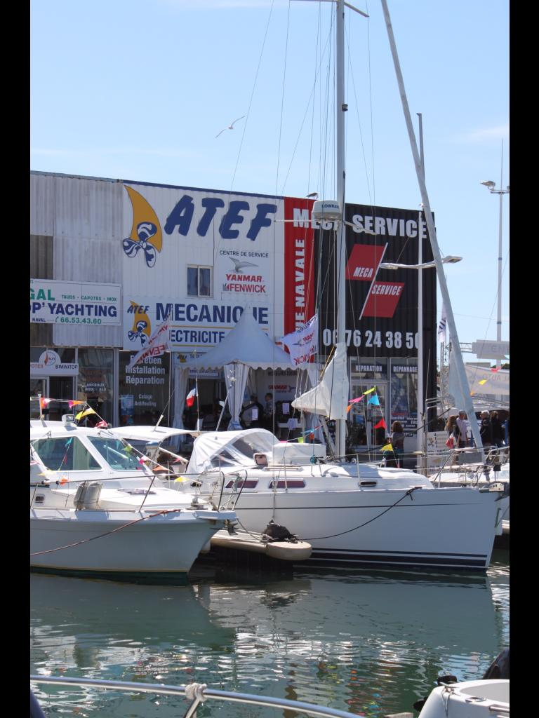 Stand Yanmar et Atef Moteurs et Bateaux à Port camargue
